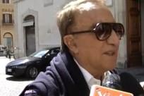 """Emilio Fede, giornalista e grande amico di Silvio Berlusconi, non ha vissuto bei momenti negli ultimi tempi. Ai microfoni de 'La Zanzara' ha detto: """"Ho pensato al suicidio. Voglio arrivare alla verità. Io non ho mai voluto ricattare Crippa o Mediaset. Eravamo amici. Ho chiesto alla mia famiglia di dimenticare il mio cognome"""". Fede ha continua.."""