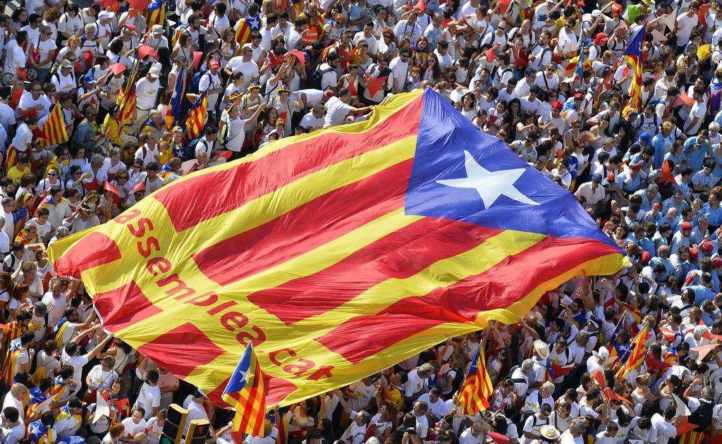 http://media.calcioblog.it/e/ef3/bandiera-indipendenza-catalogna.jpg
