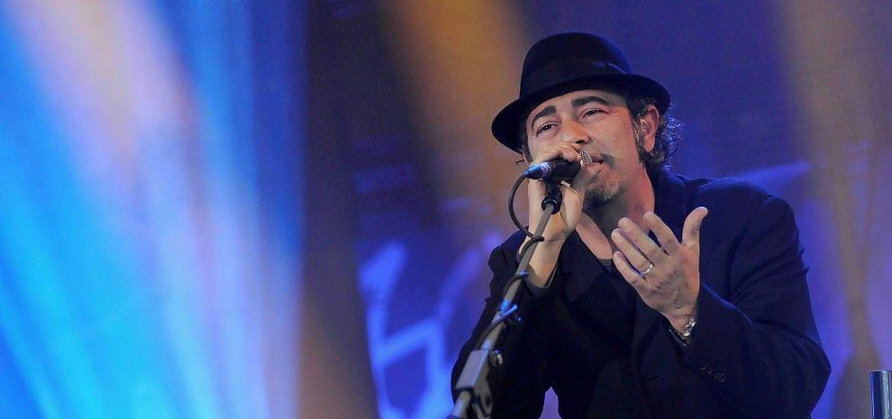 "Luca Carboni Presenta ""Pop-Up"""