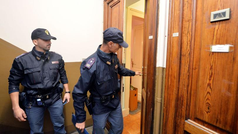 Torino, Pensionato Ucciso con Mazzetta da Muratore