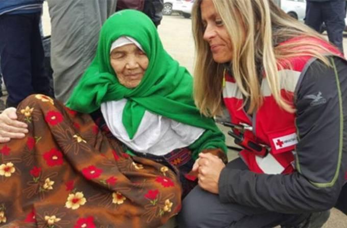 Bibihal Mirzaji, Migrante di 105 Anni: Poliziotti Sbigottiti