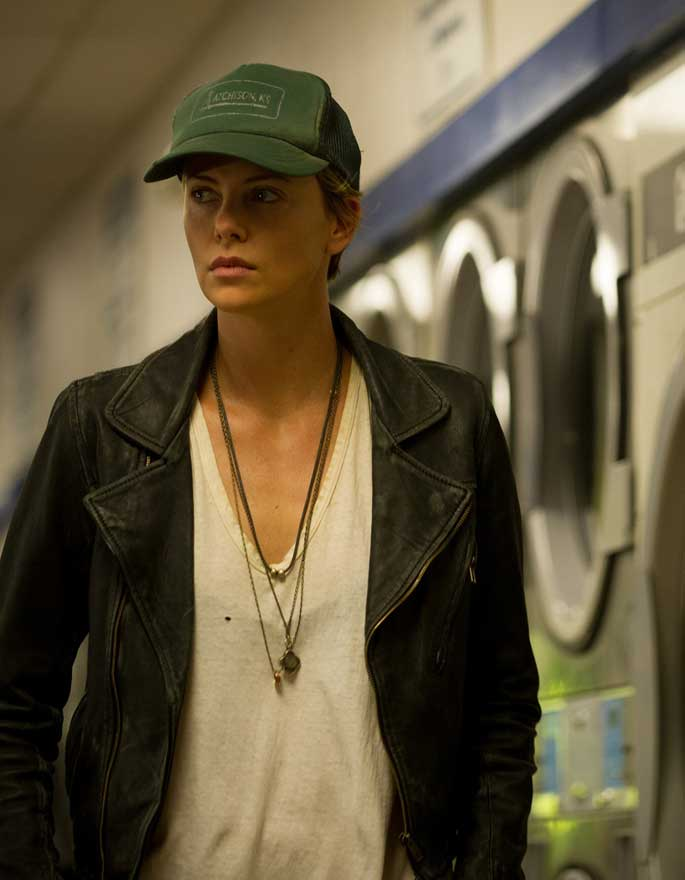 """Charlize Theron Torna in Sala con """"Dark Places"""""""
