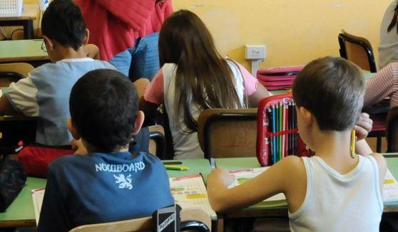 Parma, Maestra Offende Bimbi