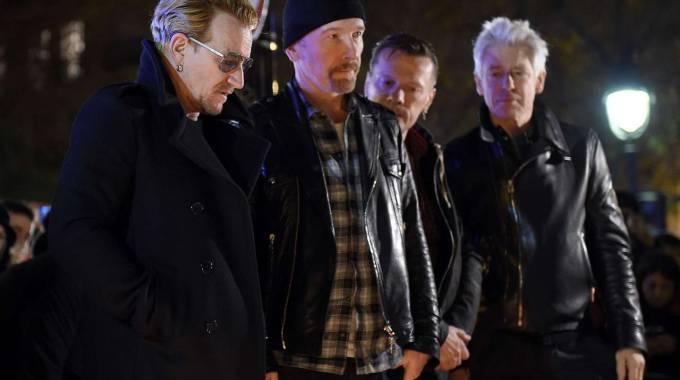 Attentati Parigi, Cordoglio U2: Concerto Bercy Arena Cancellato