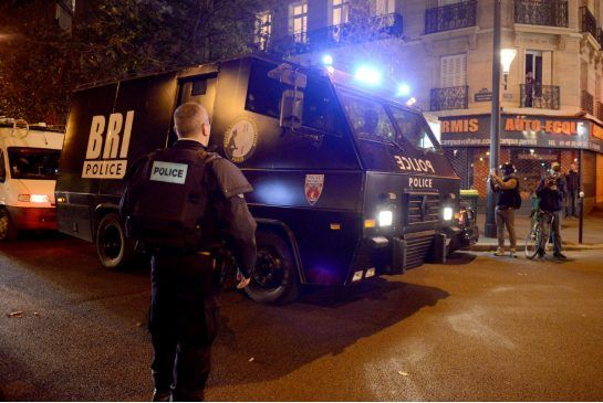 Parigi Sconvolta dal Terrorismo: Attacchi Causano Morti e Feriti