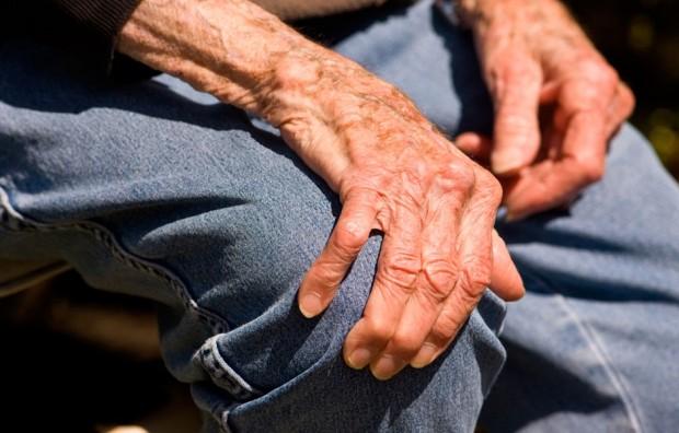 Parkinson, braccialetto smart per diagnosi precoce