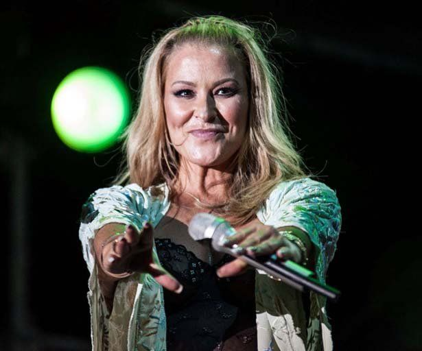 "Anastacia, ""Ultimate Collection"" e Tour in Italia"