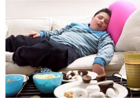 Sedentarietà dilaga: troppi giovani obesi in Italia