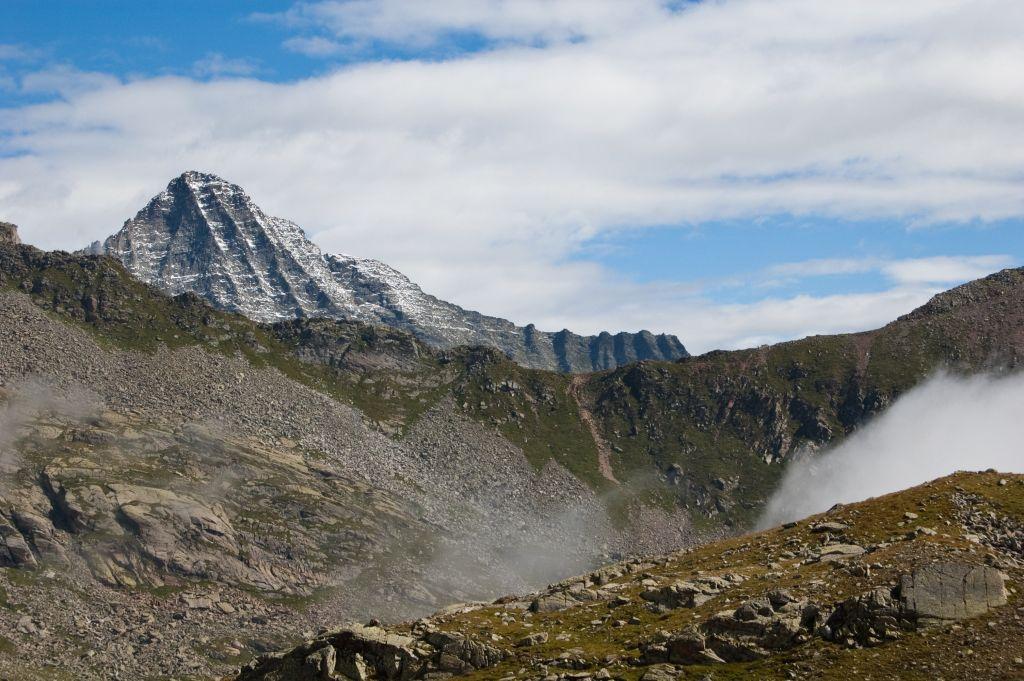 Valle Soana, alpinista cade e muore