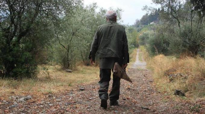Salerno, 12enne colpito al petto durante battuta di caccia