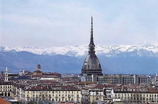 Torino, allarme bomba alla Mole Antonelliana