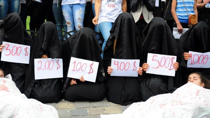 Isis, vademecum su donne-schiave