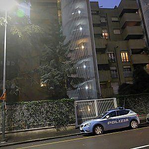 Milano violenta: studente accoltellato da ladri in casa
