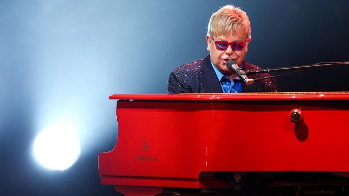 Elton John tra i super ospiti a Sanremo