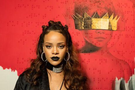 "Rihanna, Esce ""ANTI"": Ottavo Disco in Carriera"