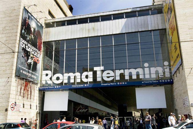 Roma, Ingegnere Pagava Minorenni per Rapporti 'Intimi'