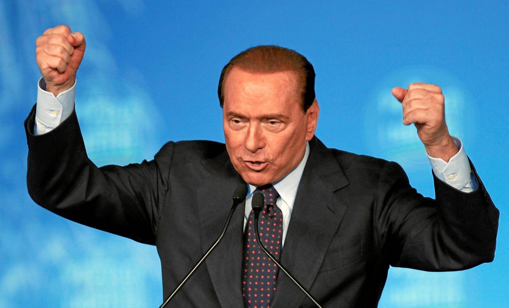Berlusconi si autoproclama leader centrodestra e annuncia candidati super a Roma e Milano