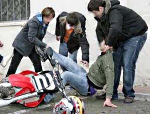 Ragusa, bullo 14enne picchia coetaneo a scuola
