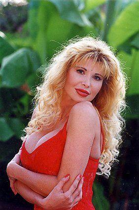 Barbarella è morta, Ilona Staller lo annuncia su Twitter