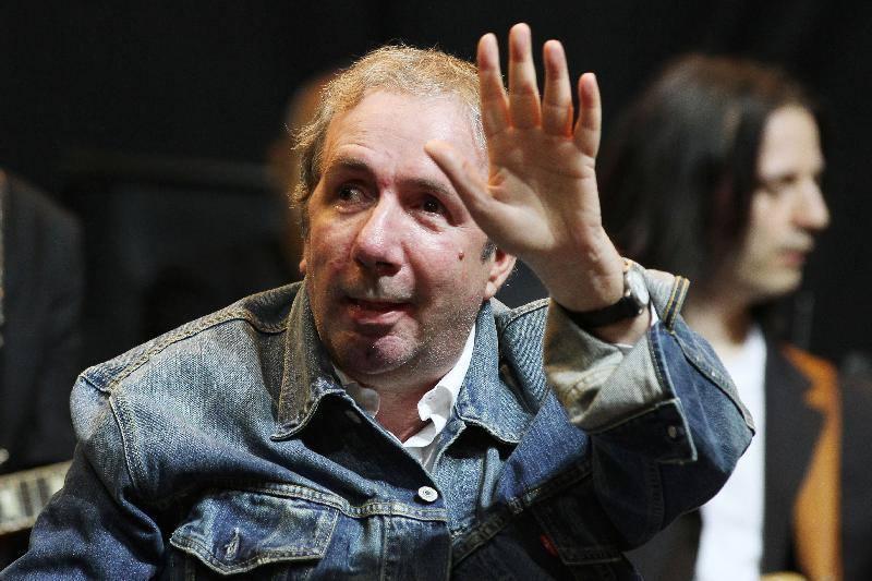 Francesco Nuti Offeso da Badante Georgiano