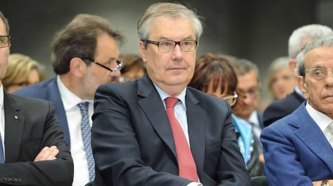 Flavio Carbone amico padre ministro Boschi: Governo rischia