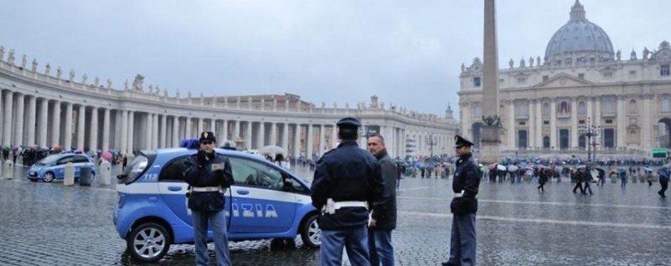 Uomo nudo a San Pietro