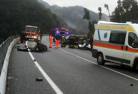 Fermignano, 2 Bimbi Morti in Incidente Stradale
