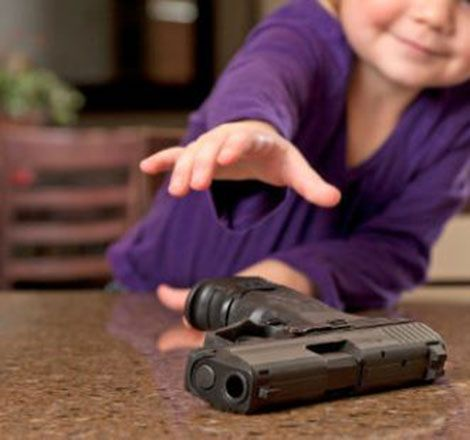 Alabama, Bimbo Trova Pistola Carica e Spara a Sorella