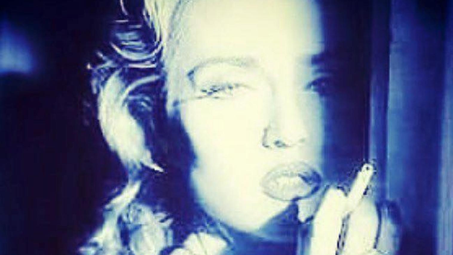 Madonna Sbaglia e Posta Foto Paola Barale
