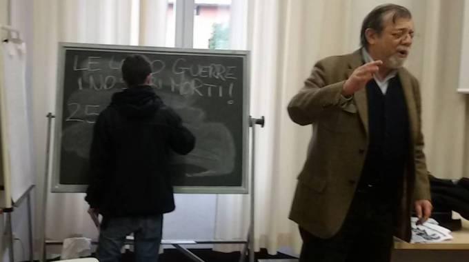 Angelo Panebianco Minacciato da Collettivi Universitari