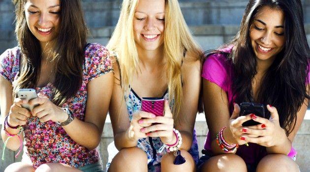 Safer Internet Day, Teenager Soggiogati dalla Rete