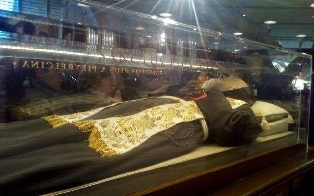 Salma San Pio arriva in Vaticano