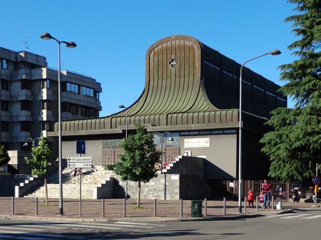 Cassaforte rubata in chiesa milanese