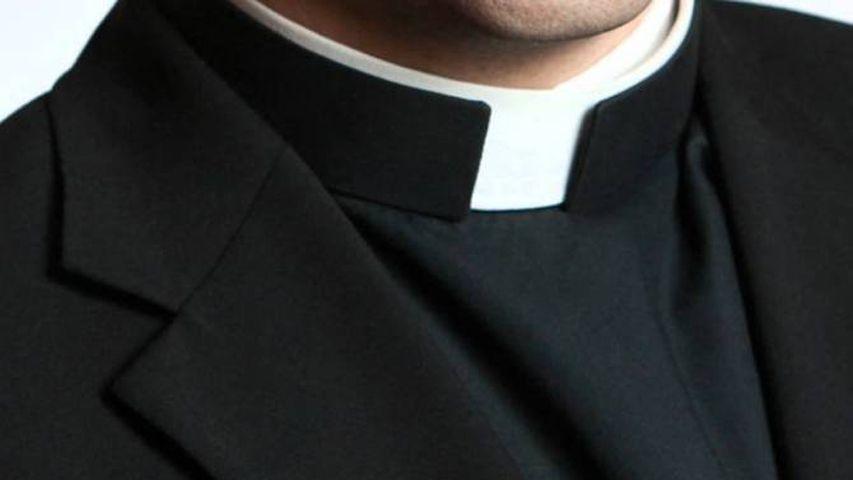 Sacerdote Sudamericano Violenta Ragazzine al Corso di Battesimo