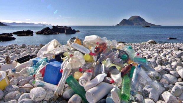 Spiagge piene di rifiuti