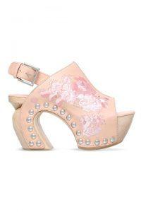 elle-summer-sandals-alexander-mcqueen