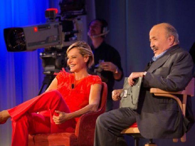 Simona Ventura ospite del Maurizio Costanzo Show
