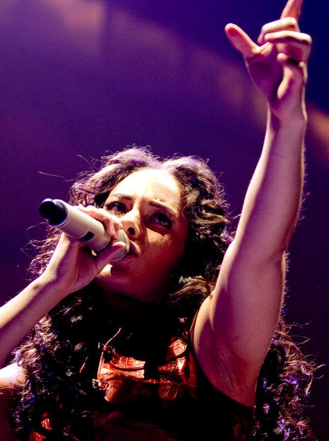 Alicia Keys rinuncia al trucco per sentirsi libera