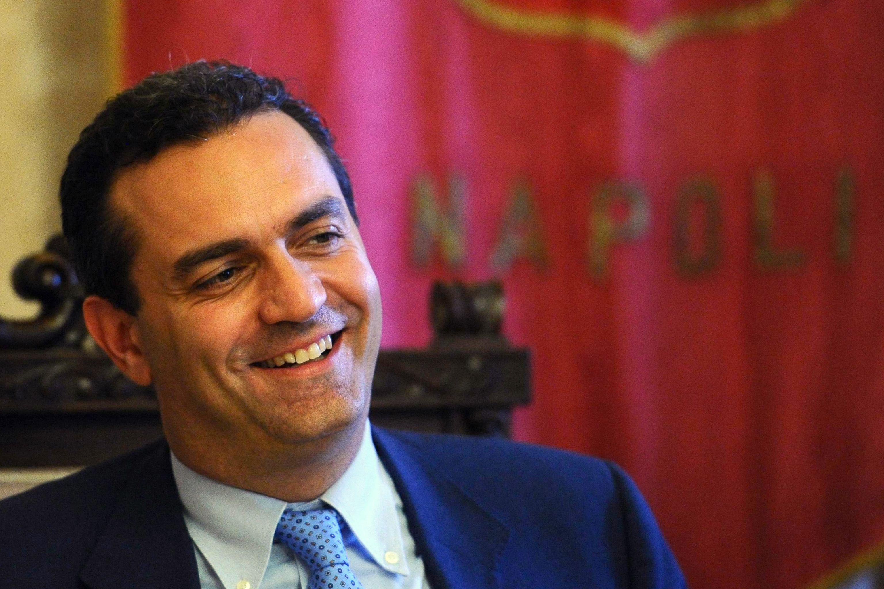 Luigi De Magistris promette di essere il sindaco di tutti