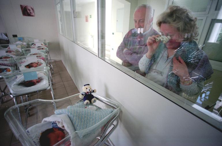 Italia: morti superano nascite