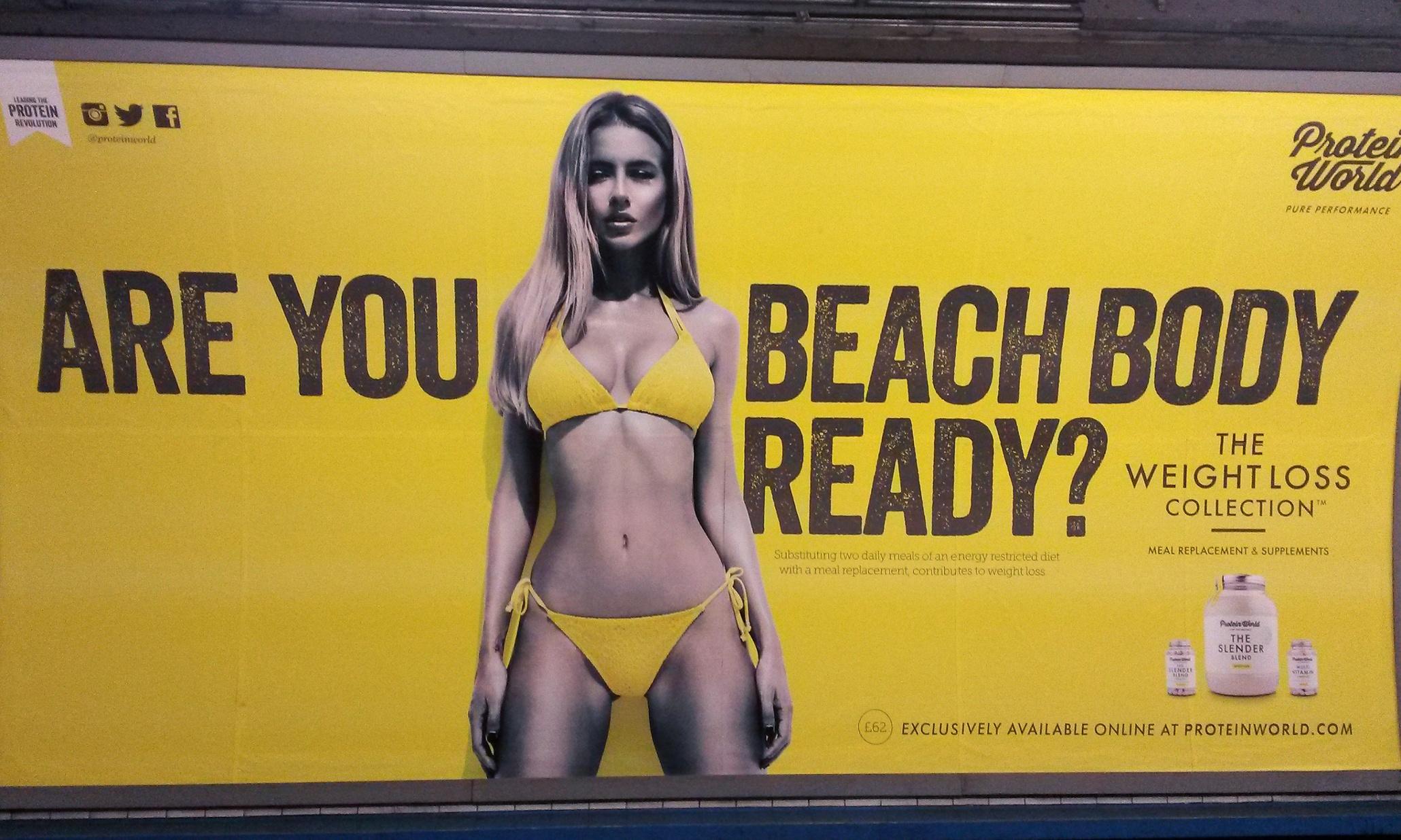 Londra, Khan vieta pubblicità con belle donne