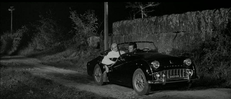 """Auto d'epoca acquistata per 30.000 euro: è quella de """"La Dolce Vita"""""""