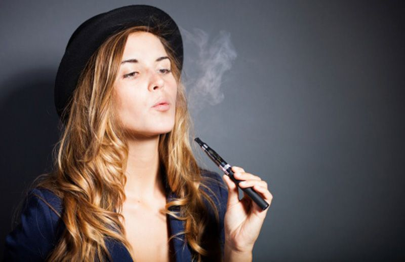 E-cig portano giovani a fumare classiche 'bionde'