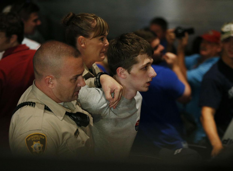 Las Vegas, cerca di rubare pistola a poliziotto per uccidere Trump
