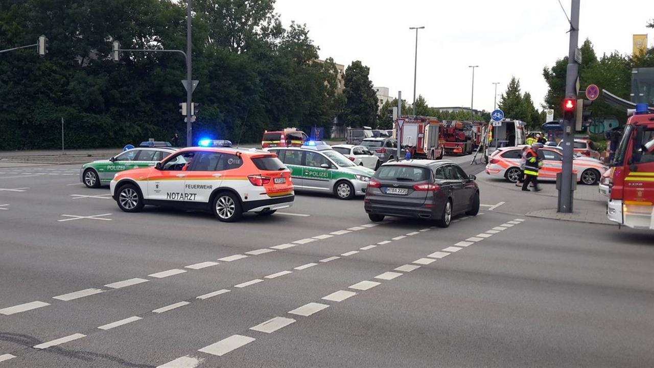 Monaco di Baviera, sparatoria in centro commerciale: morti