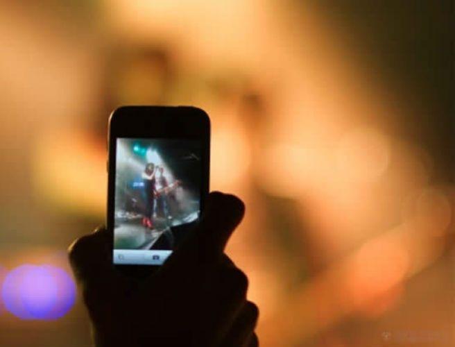 Apple iPhone bloccheranno fotocamera durante concerti