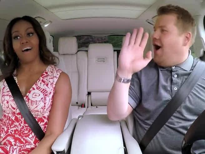 Michelle Obama canta Beyoncé nel 'Carpool Karaoke'