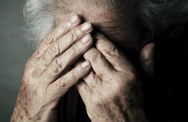 Anziana affetta da Alzheimer stuprata da operatore socio sanitario