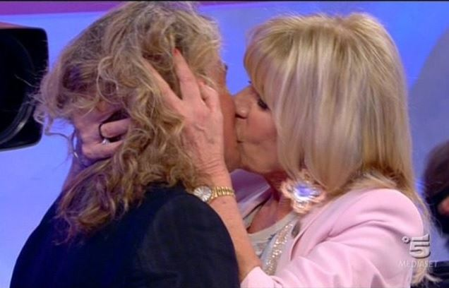 UeD Over news di oggi: Gemma bacia Marco con passione, Giorgio lascia lo studio